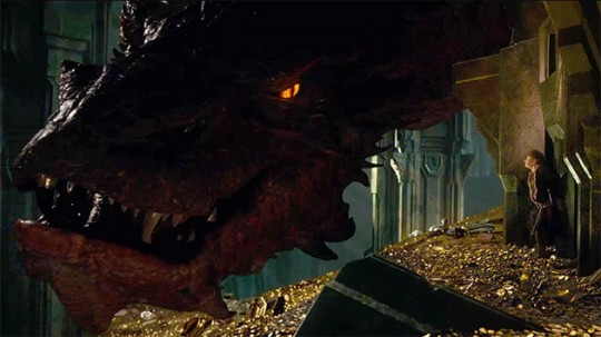 The-Hobbit-Smaug-10